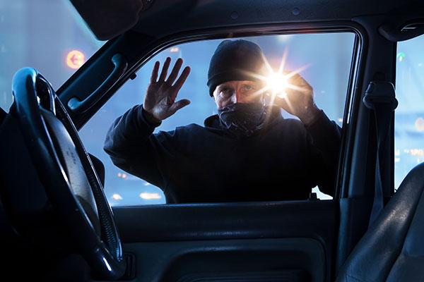 Ces vols dans nos véhicules, faut-il les taire ou les rapporter auprès de notre compagnie d'assurance habitation ?
